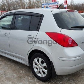 Nissan Tiida 1.6 AT (110 л.с.) 2010 г.
