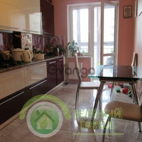 Продается квартира 2-ком 74 м² Осенняя