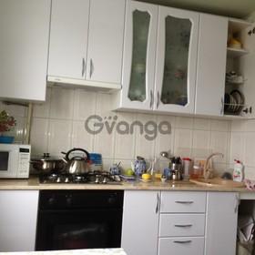 Сдается в аренду квартира 2-ком 56 м² Баранова, 6