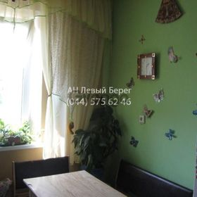 Продается квартира 3-ком 70 м² ул. Драгоманова, 42, метро Позняки