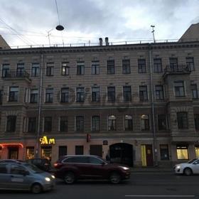Сдается в аренду комната 3-ком 80 м² Старо-Петергофский пр-кт, 17, метро Нарвская