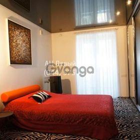 Продается квартира 4-ком 193 м² ул. Драгоманова, 17, метро Позняки