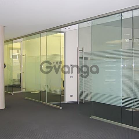 Цельностеклянные (стеклянные) перегородки для офиса и дома.