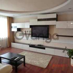 Сдается в аренду квартира 4-ком 128 м² Маршала Жукова ул., 20