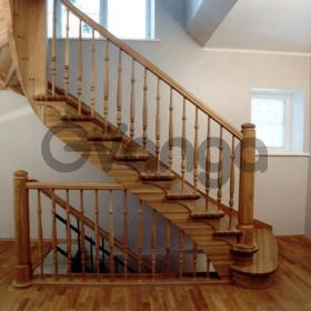 Лестницы из натурального дерева под заказ.