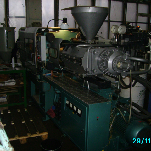 литье пластмасс  под  давлением ,изготовление литьевых пресс-форм