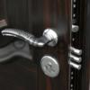 врезка замка в металлическую дверь в запорожье